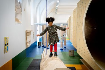 ZOOM Kindermuseum Holzparcours
